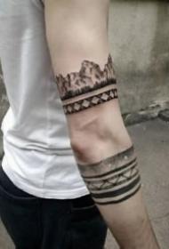好看的星球天际等臂环纹身图案