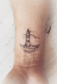 好看的黑灰灯塔纹身小图案