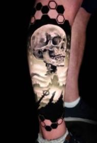 手臂上彩色逼真3d写实纹身图案