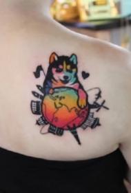 波普艺术风格的彩色纹身图案