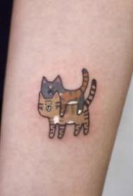 可爱的卡通风格小猫咪纹身图案