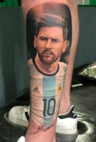 足球明星梅西的肖像纹身图案