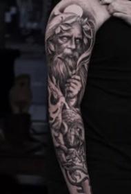欧美风格写实包臂纹身图案