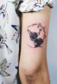 可爱卖萌的小狗狗纹身小图案