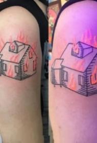 有趣的荧光纹身效果对比图案