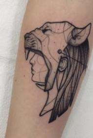 黑灰抽象的个性人头纹身图案