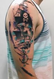大臂上有意境的水彩纹身图案