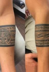 帅气的臂环手环纹身图案