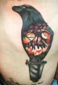 一组关于乌鸦的纹身图案