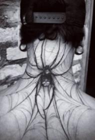 霸气妖异的蜘蛛和蛛网纹身图案