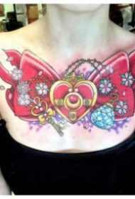 女士性感的花胸纹身图案