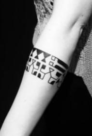 多种形状的手臂臂环纹身图案