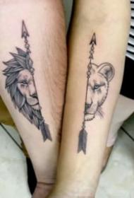 情侣喜欢的小清新成对纹身图案