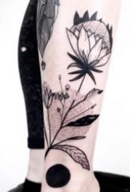18组简约的植物树枝纹身图案