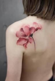 女生的性感的水墨肩花纹身图案大全