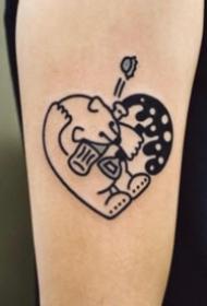 组合成爱心的创意纹身图案