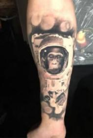 猴子猩猩主题的黑灰纹身图案大全