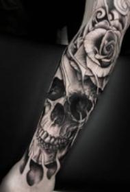 暗黑骷髅头纹身 9张包臂的暗黑色骷髅纹身图片