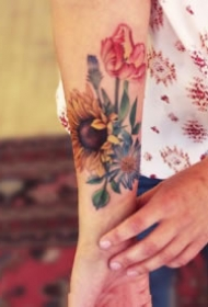 好看的小清新向日葵纹身图片