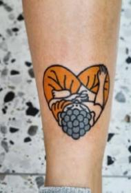 小清新心形的桃心纹身图案