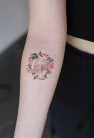 小清新的花环纹身图案欣赏