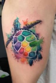 渐变色的水彩动物等纹身图片
