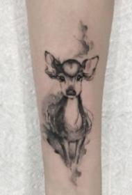 小清新的小鹿和鹿头纹身图片