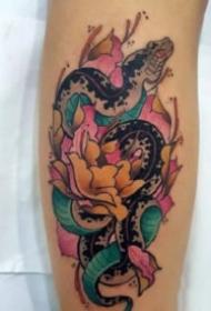 传统的牡丹主题纹身图案