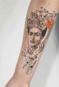有设计感的小臂点刺线条纹身图案