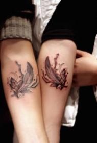 情侣恋人使用的小清新成对纹身图案