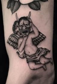 黑灰色西方小天使纹身图案