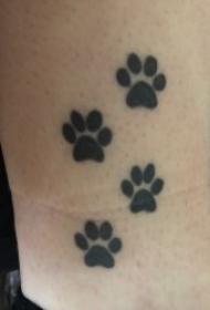 好玩有趣的熊掌爪印纹身图案