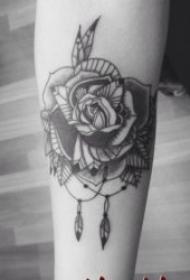 黑色玫瑰纹身图案精选