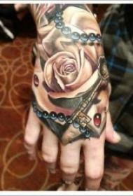 个性十足的手背纹身图案