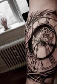 10款黑灰骷髅头与时钟组合的纹身图案
