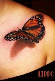 翩翩起舞的蝴蝶纹身图案10张