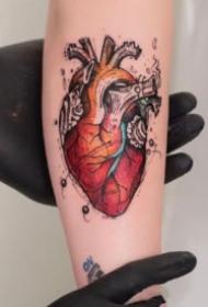 有创意的心脏主题纹身图案