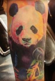 呆萌而又创意的熊猫纹身图案
