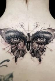 翩翩起舞的蝴蝶纹身图案