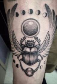 黑色色调的小昆虫纹身图案
