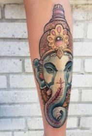 古老的宗教传统象神纹身图案