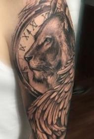 霸气又威猛的狮子纹身图案