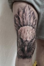 纹在膝盖上的创意纹身图案