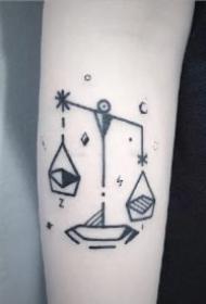 唯美小清新的天秤座纹身图片