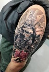 霸气的包臂包腿鬼武士纹身图案