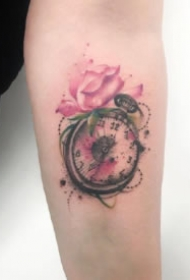 漂亮唯美关于怀表的纹身图案