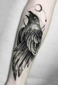 暗黑系的乌鸦纹身图案欣赏