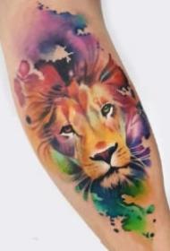 好看的水彩色狮子头纹身图案
