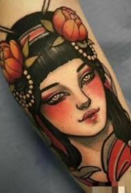 school风格包臂纹身女郎图案