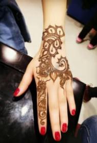 手部印度海娜手绘纹身图案大全
